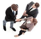 Бизнесмен тряся руку к партнеру Стоковое Изображение