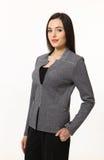 Бизнес-леди брюнет изолированная на белизне Стоковые Изображения