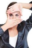 Бизнес-леди делая изолированную рамку руки, Стоковые Фото
