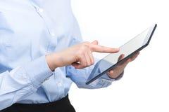 Бизнес-леди используя цифровой компьютер таблетки Стоковая Фотография RF