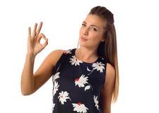 Бизнес-леди показывая одобренный знак Стоковые Изображения