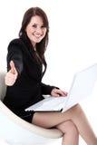 Бизнес-леди с компьтер-книжкой Стоковая Фотография