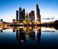 Бизнес-центр Москва на вечере Стоковая Фотография
