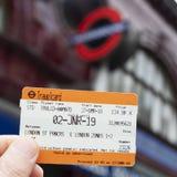 Билет Travelcard в Лондоне, Великобритании стоковые изображения rf