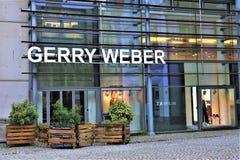 01/06/2017 - Билефельд/Германия - изображение концепции логотипа Gerry Weber Стоковое Фото
