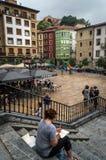 Бильбао, Баскония/Испания - июль 2016: взгляд на лестнице на площади Мигеля Unamuno в Бильбао в июле 2016 Стоковые Фото