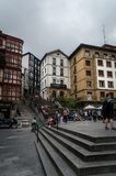 Бильбао, Баскония/Испания - июль 2016: взгляд на лестнице на площади Мигеля Unamuno в Бильбао в июле 2016 Стоковое фото RF
