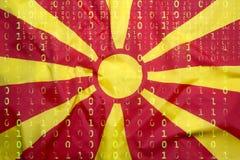 Бинарный код с флагом македонии, концепция защиты данных Стоковое Фото
