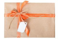 Бирка ленты смычка подарочной коробки Стоковое Фото
