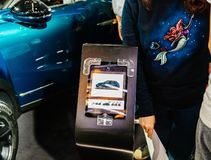 Бирка цены и спецификации crossback Citroen d3s стоковые фотографии rf