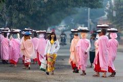 Бирманские молодые монашки Стоковые Фотографии RF