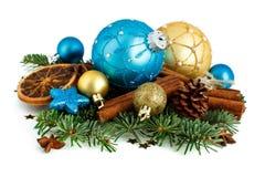 Бирюза и золотые орнаменты рождества стоковые изображения