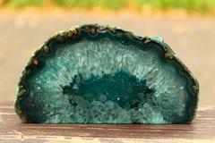 Бирюза и изумрудный минеральный отрезок камня стоковые фотографии rf