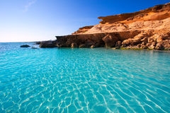 Бирюза пляжа des Mort Форментеры Es Calo среднеземноморская Стоковая Фотография