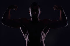 бицепс его показ человека мышечный Стоковая Фотография RF