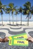 Билеты к конечному событию футбола футбола в Copacabana Рио Бразилии Стоковые Фотографии RF