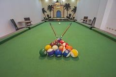 Бильярдный стол биллиардов в игровой комнате Стоковые Фото