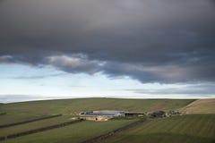 Благоустраивайте изображение виноградника в английской сцене сельской местности с Д-р Стоковые Изображения RF
