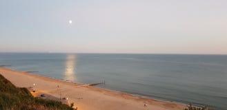 Блеск луны на море стоковые фотографии rf