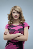 блестящая розовая представляя женщина Стоковое Изображение RF