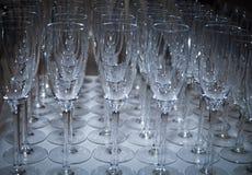 Блестящие сверкная стекла шампанского на канун Новых Годов Стоковое Фото