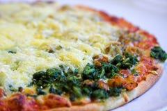 близкая пицца коркы вверх Стоковая Фотография
