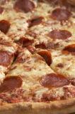 близкая пицца стоковое изображение rf