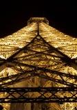 близкая Эйфелева башня вверх стоковое изображение