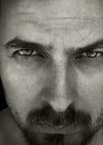 близкие глубокие глаза укомплектовывают личным составом портрет вверх Стоковые Фотографии RF
