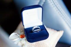 близкие кольца поднимают венчание Стоковые Фотографии RF