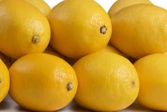 близкие лимоны штабелируют вверх Стоковая Фотография RF