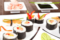 близкие роскошные суши плиты вверх Стоковое Изображение RF