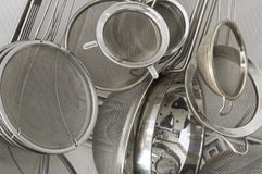 близкие стрейнеры кухни вверх Стоковое фото RF