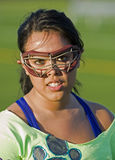 близкий игрок lacrosse вверх по женщинам Стоковые Фотографии RF