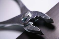 близкий инструмент плоскогубцев вверх Стоковое Изображение