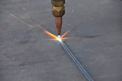 близкий лист металла газа вырезывания вверх Стоковое фото RF