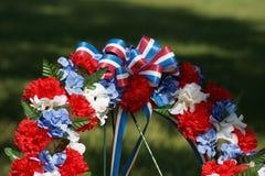 близкий мемориальный патриотический поднимающий вверх венок Стоковая Фотография RF