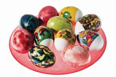 Близкий поднимающий вверх взгляд традиционно украшенных пасхальных яя Красочная традиция Предпосылки пасхи стоковое изображение