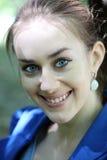 близкий портрет девушки стороны ся вверх по детенышам Стоковая Фотография RF