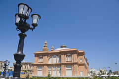 близкий театр улицы светильника вверх стоковое изображение rf