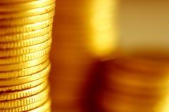 близкое золото монеток вверх Стоковое Изображение