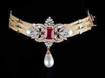 близкое ожерелье диаманта вверх Стоковые Изображения