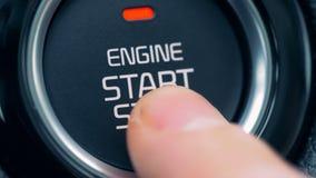 Близко вверх двигателя начало и получать кнопки стоп переключили время от времени сток-видео