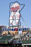 близнецы цели знака Минесоты поля стоковая фотография rf