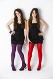 близнец студии портрета девушок подростковый стоковое фото rf
