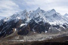 близости Непала горы manaslu стоковые фотографии rf