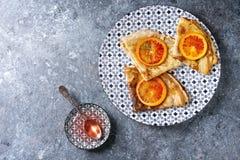 Блинчики с кровопролитными апельсинами Стоковая Фотография RF