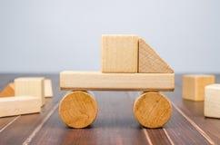 Блоки игрушки тележки деревянные Стоковая Фотография
