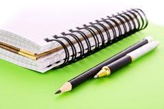 Блокнот, карандаш и пер Стоковая Фотография RF