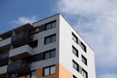 блок построил квартиры заново стоковое фото rf